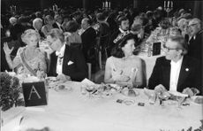 Nobel prize dinner in the blue hall of the City Hall. Fr. V. Princess Lilian, English chemist Frederick Sanger, Princess Désirée and American Val Fitch.