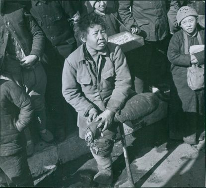 Japan during WWII A woman got injured on her foot during the war in Japan