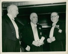 Niels Bohr with Lawrence bragg and john cockroft