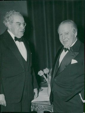 Portrait Landshövding Conke Jonsson and Director Yngve Hugo at a farewell party at Grand Hotel Royal.
