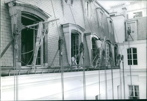 The construction of the building. December 4, 1961
