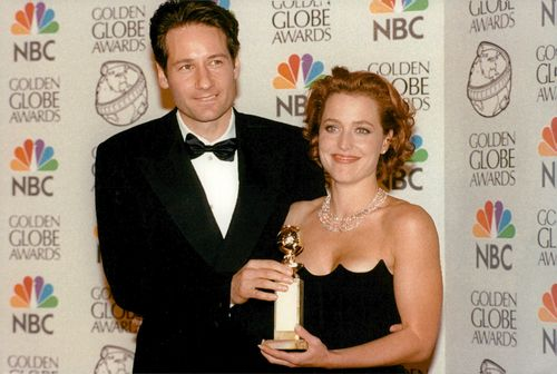 Gillian Anderson tillsammans med David Duchoyny vid Golden Globe Awards