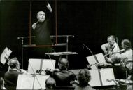 Portrait picture of Sixten Ehrling during an orchestra rehearsal.