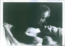 """A photo of Jack Nicholson and Michelle Pfeiffer in a film """"Worf"""" 1994"""