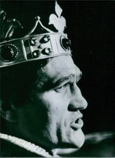 Side view of Mate Parlov the World Light-heavyweight boxing champion, wearing a crown in 1978.