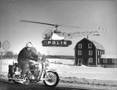 Finnish National Commissioner Fjalar Jarva got to see a display of police using helicopters and vägpatruller monitors traffic on the main roads.