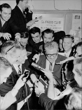 Press are eager to capture details of news regarding Jack Ruby, one who killed Lee Oswald (JFK assassin).