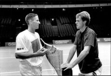 Henrik Holm and Stefan Edberg in conversations over the internet during the Stockholm Open 1992