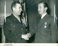 Captain R.A. Farran and Maj-Gen Clayton Bissell.