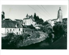 Old houses and the River Cuisance.