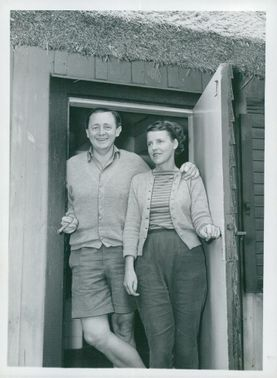 Jarl Hjalmarsson, party leader for the moderates, with his wife Eyvor at the village in Skåne