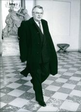 Pierre Mauroy on his way to a Cabinet meeting shortly after his reappointment as Prime Minister in March 1983.