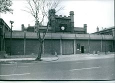 A view of Hull Prison, 1977.