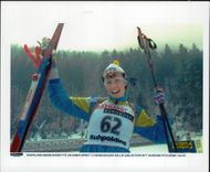 Magdalena Vallin, later Forsberg, celebrates his World Cup bronze in 7.5 km sprint.