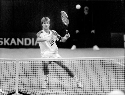Rikard Bergh in action during the match against Magnus Larsson in Stockholm Open 1991