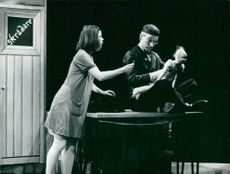 """Yvonne Elgstrand and Olof Willgren in Alfonso Sastres """"The Descent of the Forgiven Doll"""" at Dramaten"""