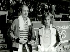Tennis player Stan Smith gets ready for a match.