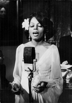 "Diana Ross as Billie Holiday in the movie ""Lady sings the blues"""