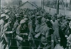 In a concentration camp in Belgium.Cefangene anglander, Belgians, Moroccans and Tunisians at Abmarach