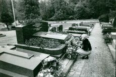 Maurice Auguste Chevalier's grave.
