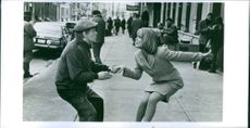 """A photo of Helen Hunt as Annie Wells and Billy Crystal as Buddy Young, Jr. in the film """"Mr. Saturday Night """". 1992."""