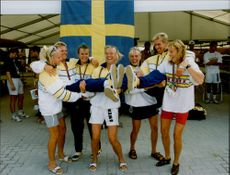 Swedish canoe team: The bronze girls Anna Olsson, Maria Haglund, Susanne Rosenqvist and Agneta Andersson with silver painters Kalle Sundqvist and Gunnar Olsson