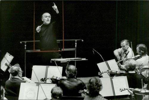 Portrait picture of Sixten Ehrling taken during an orchestra rehearsal.