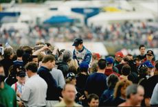 The fans gathered around Rickard Rydell to make congratulations and get an autograph from the popular driver.