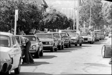 Despite the ranson system, the queues ringed long to the gas stations.