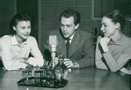 Harriet Andersson, Arne Weise and Pia Skoglund in the radio youth program