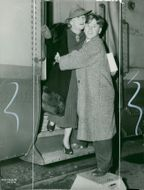 Mickey Rooney with her mom on a trip to New York - 9 April 1939