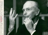 Sir Alec Douglas-Home speaks at a UN press conference