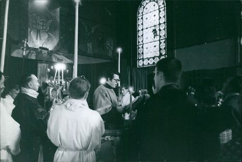 Michel Laroche giving mass.