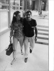 Marina Vlady walking with her husband Jean-Claude Brouillet.