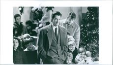 Dylan McDermott in Miracle on 34th Street.