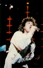 Mick Jagger performs with Rolling Stones at Giant Stadium