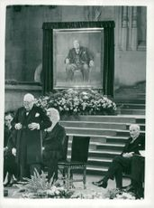 Sir Winston Churchill håller tal vid Westminster Hall
