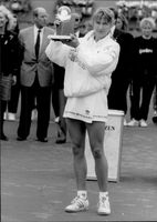 Steffi Graf wins the Citizen Cup in Hamburg.