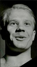 Portrait of the weightlift Arvid Andersson