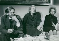 Dorothy Crowfoot Hodgkin together with husband Thomas and daughter Elizabeth at press reception