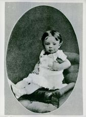 A baby portrait of Paul Reynaud.