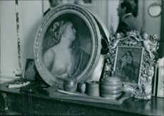 A man in the mirror.
