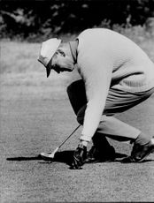 Portrait of golfer Bruce Grafton in action