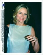 "Michelle Pfeiffer arrives at the premiere of ""Thousand Acres"""