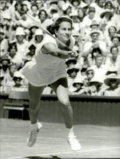 Virginia Wade in action against Cawley