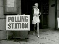 Actress Hayley Mills leaves the voting room on King's Road