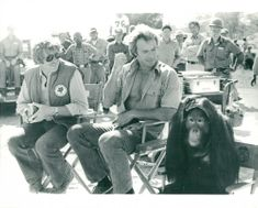 Clint Eastwood with director James Fargo and the opponent Orangutan