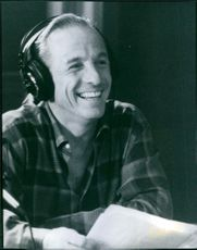 Jackie Martling smiling, in the film Private Parts, 1997.