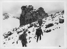 German mountaineers conquer the Mount Elbrus.
