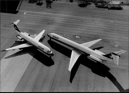 Swissair airplanes of the type DC-9-32 and DC-9-81